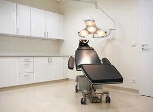 Behandlungszimmer Praxis Dr. Armin Rau